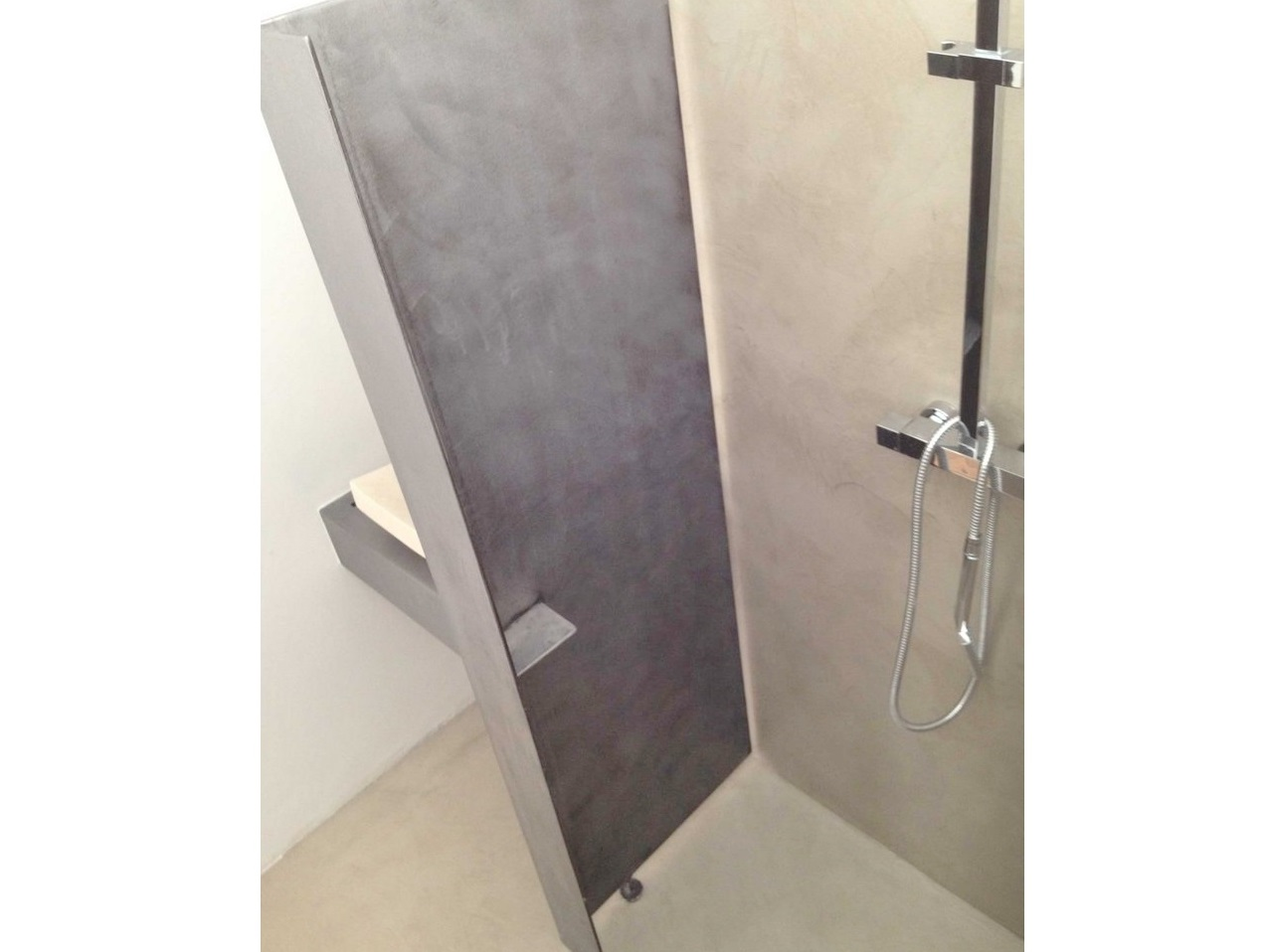 Italian Shower In Polished Concrete